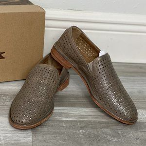 Trask Ali Perf Slip-On Loafers Gray Sz 6.5 New